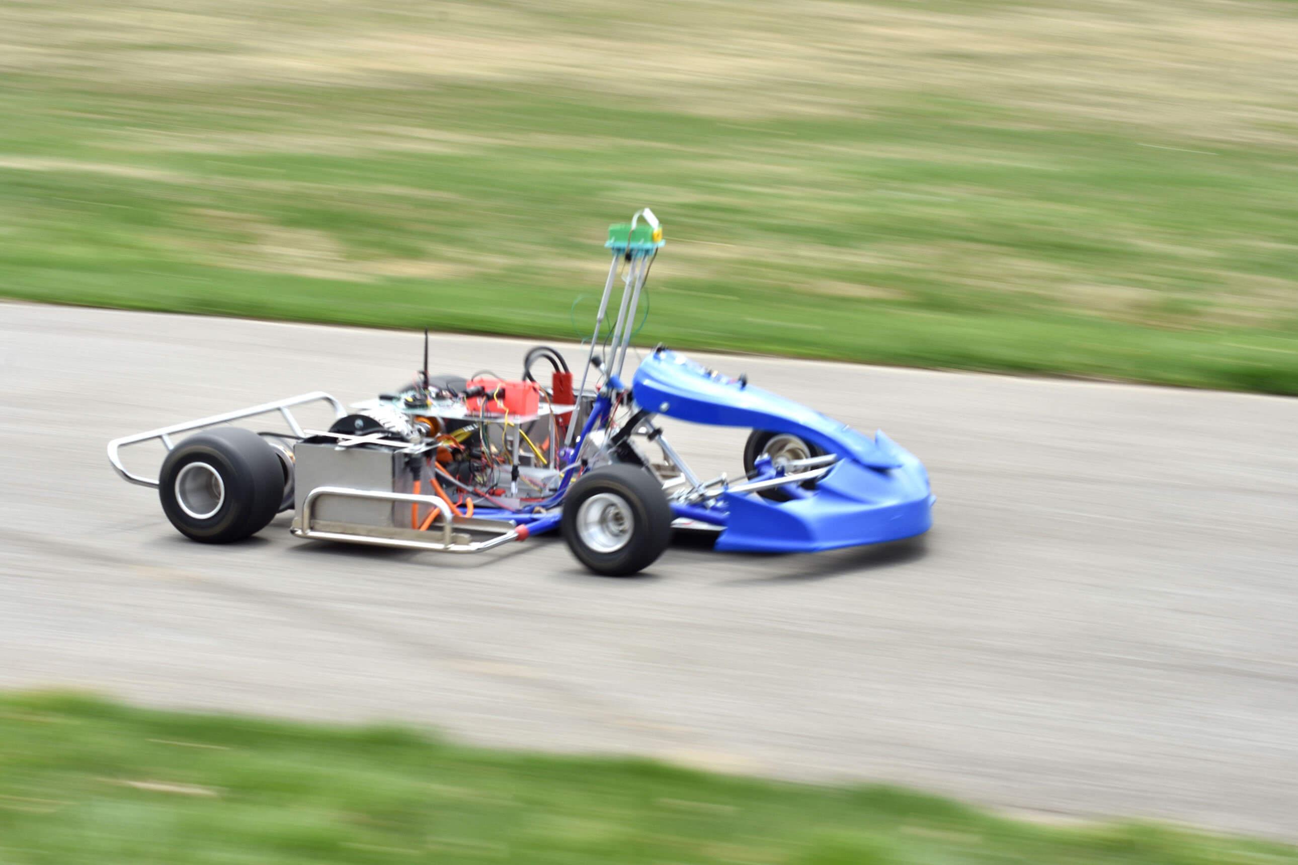 Električni, samovozeći, autonomni karting